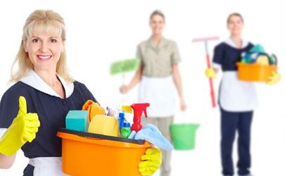 Los beneficios de contratar un servicio de limpiezas
